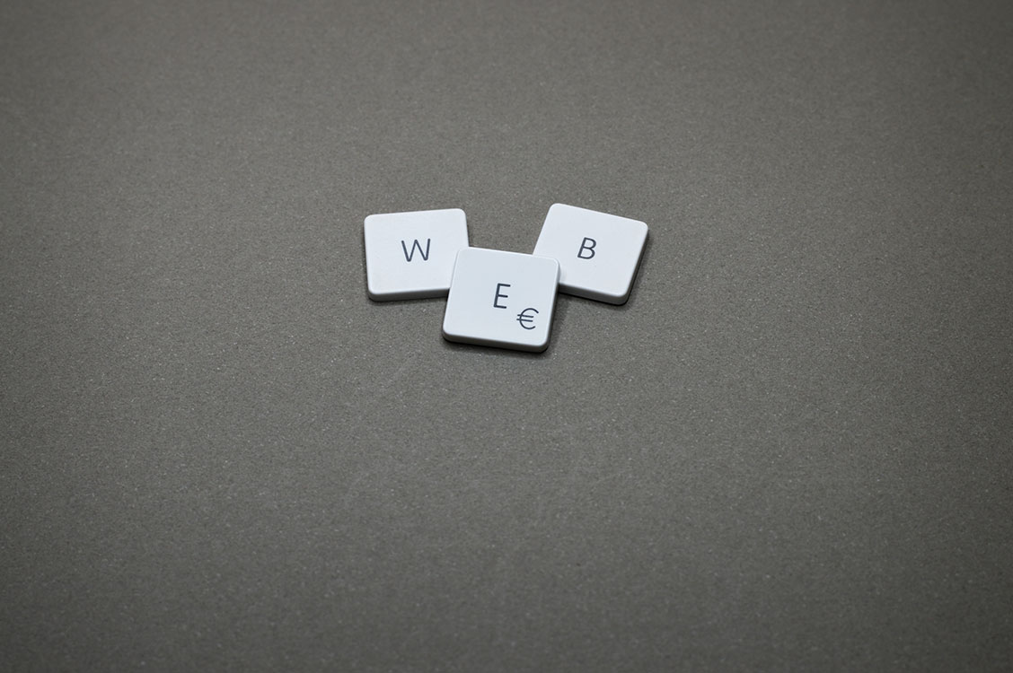square tiles that spell web